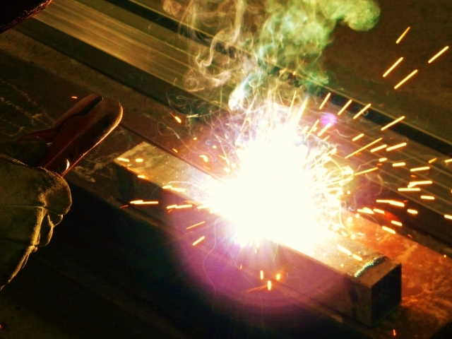 技術をもった正社員募集中(産業機械設計、土木作業員、製缶工、電気設計・回路製作・回路制御の製作・プログラム製作)
