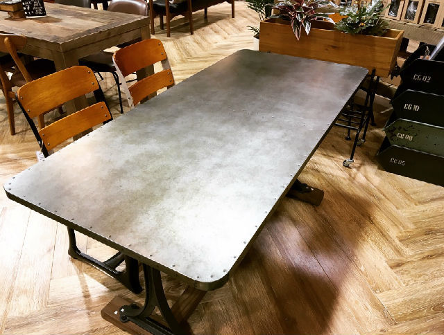 家具 CHIKAGO TABLE